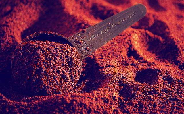 Use Coffee Grounds to Reduce the Look of Cellulite