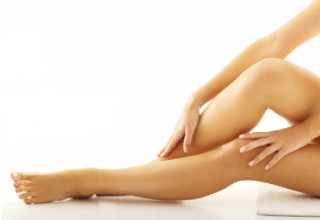 The Cause of Cellulite on Legs & How to Get Rid of It